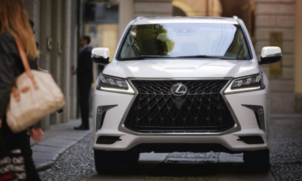 The Lexus LX 570 Sport package features a new front facia